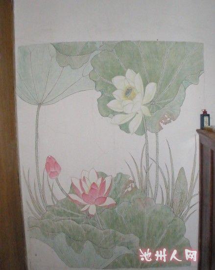 一幅荷花墙体彩绘