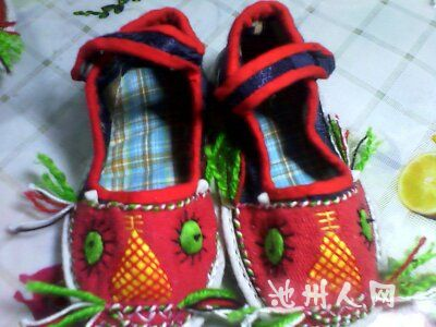 来瞅瞅手工制作老虎鞋