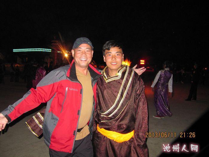 帅哥 青海湖/教我学习藏族舞的帅哥小伙子
