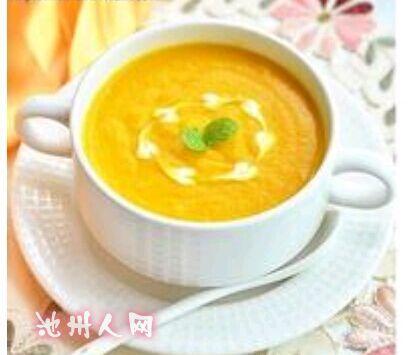 西餐的汤大致可分为清汤奶油汤,蔬菜汤和冷汤等4类.