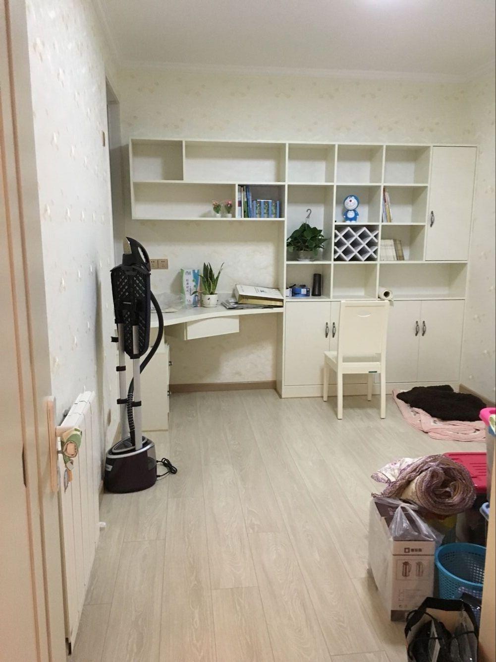 小房间.jpg