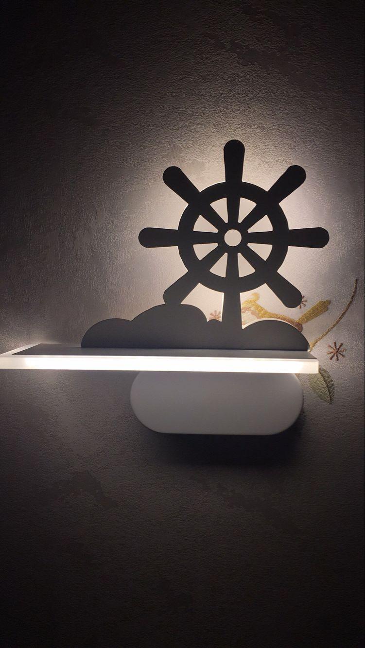 主卧的壁灯.jpg