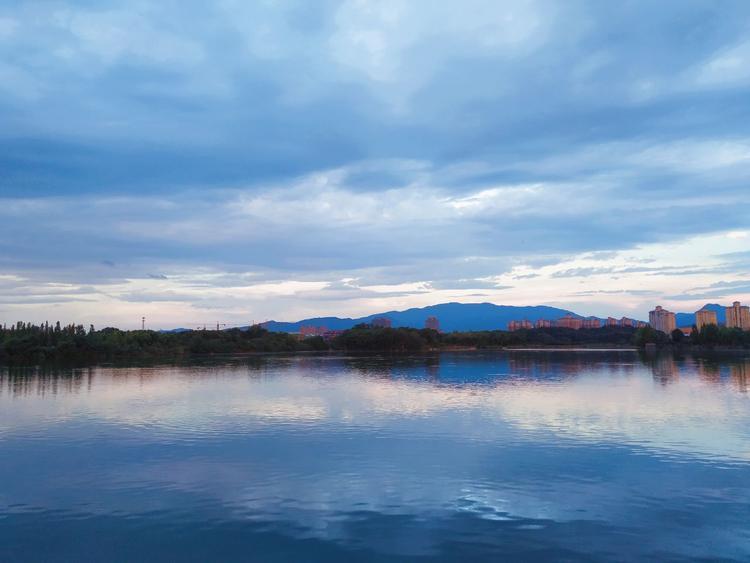 这是在平天湖拍摄的